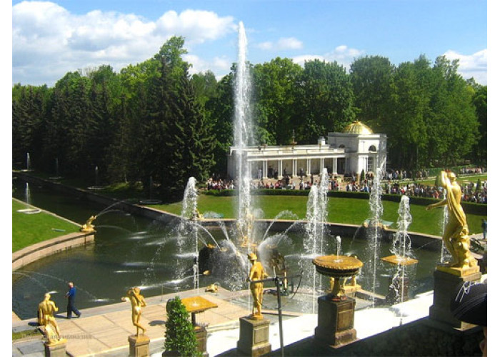2 Day Group Tour Highlights + Suburbs of the  St. Petersburg